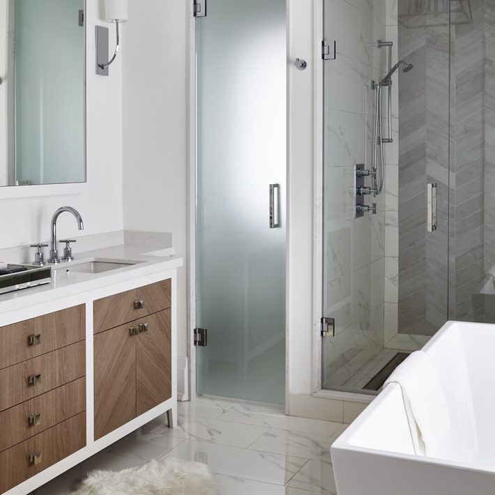 Bronze—Bathroom Under $30K, Adolphina Karachok & Leanne Tammaro designtheory.ca