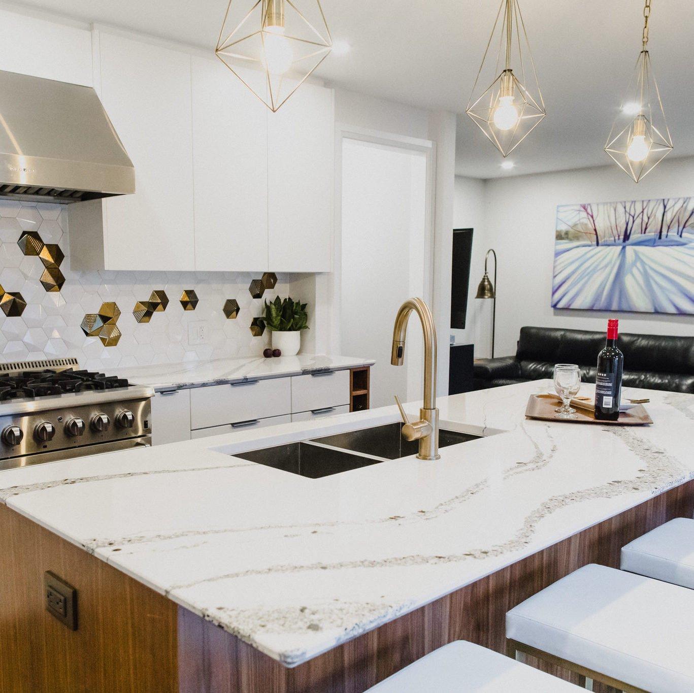 Bronze—Kitchens Under $50K, Robin Boles robininteriors.ca