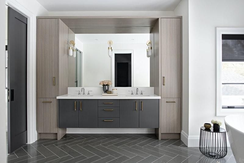 Gold - Bathrooms Over 30K, Nikki Fisher-Gigault